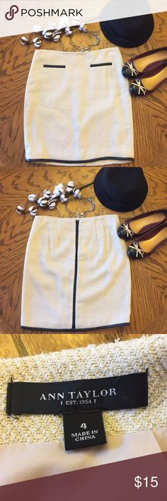 Stylish Ann Taylor work skirt Super cute off white textured skirt with black faux leather detailing, size 4 Ann Taylor Skirts