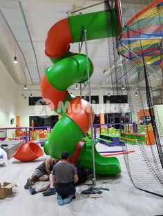 Que Guay Park - Valencia, Spain. Indoor Play Structure by Multiplay - Features include Power Tower with Spiral Tube Slide, Kids Trampolines, Track Ride, Triple Wave Slide, Punching Bags, Spiral Slide, Play Tunnel, Stalagmites, X-Cross Obstacles, Rotating Doors. Find us here: http://multiplay-uk.co.uk/ or call +44 (0)1252 933 839 #PlayStructure #QueGuayPark #Playground #SCPE