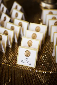 Classy, Elegant and Glamorous Gold Wedding Reception Ideas. To see more: http://www.modwedding.com/2013/12/19/gold-wedding-reception-ideas/