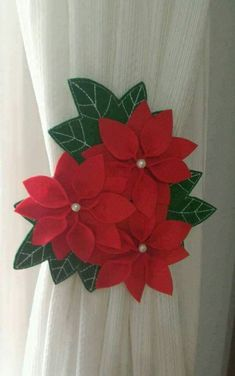 Poinsettia and Red Cardinal's Christmas Felt Christmas Decorations, Christmas Ornament Crafts, Christmas Projects, Diy And Crafts, Christmas Crafts, Christmas Poinsettia, Felt Flowers, Fabric Flowers, Paper Flowers