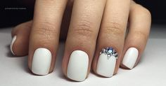 These classy nail art designs are perfect for your wedding day.