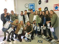 Grupo de alumnos de PickupValencia que disfrutaron aprendiendo español en nuestra academia. Learning Spanish