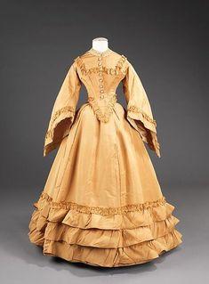 Wedding dress, 1851, silk, American