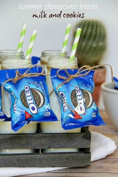 Summer treats perfect for slumber parties, backyard campouts and outdoor movie nights. #OREOmultipack #sponsored