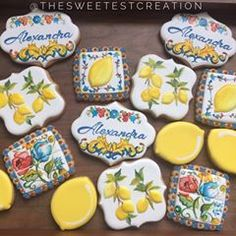 When you love fashion and cookies! 🍋Fashion inspiration Dolce & Gabbana #dolcegabbana #dolcegabbanasummer #sugarcookies #fashioncookies #dolcegabbanainspired #thesweetestcreation