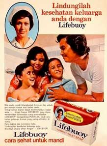 Sabun mandi Old Advertisements, Retro Advertising, Vintage Ads, Vintage Posters, 80s Posters, Lifebuoy, Old Commercials, National History, Poster Layout
