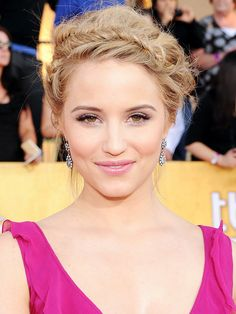 Totally into Dianna Agron's fishtail halo braid.