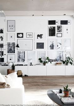 Gorgeous workspace taking wall display to the next level! Read on…