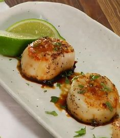 Crab Cakes, Orzo, Avocado Egg, Scallops, Fish And Seafood, Seafood Recipes, Food Videos, Sweet Recipes, Entrees