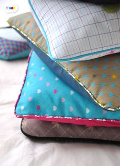 Wonderful Mesmerizing Sewing Ideas for All. Awe Inspiring Wonderful Mesmerizing Sewing Ideas for All. Sewing Pillows, Diy Pillows, Cushions, Coin Couture, Couture Sewing, Easy Sewing Projects, Sewing Tutorials, Sewing Ideas, Sewing Designs