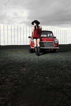 Mini and Mini Classic Cars British, Classic Mini, Mini Cooper One, Mini Coopers, Mini Morris, Car Places, Morris Minor, Mini Photo, Car Girls