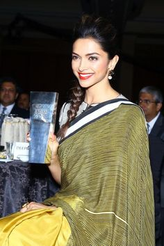 Deepika Padukone at The NDTV Indian of the Year Awards 2014
