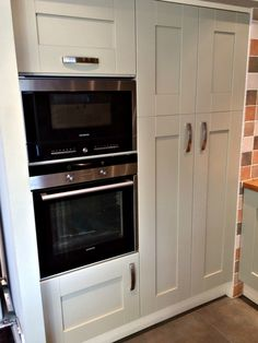 We've been very busy at our #Guildford showroom this week! We've installed this beautiful Second Nature Milbourne kitchen and are loving the #sage colour with the #cream contrast