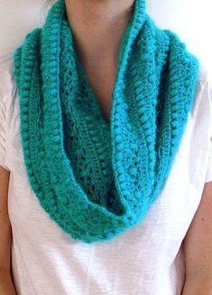 Crochet pattern Pdf crochet cowl by dziergalnia on Etsy Knit Or Crochet, Learn To Crochet, Crochet Scarves, Crochet Shawl, Crochet Crafts, Crochet Clothes, Chunky Crochet, Crocheted Scarf, Yarn Projects