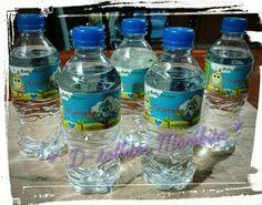 Agua Natural con la etiqueta de tu evento
