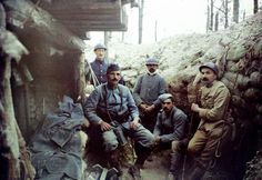 Autochrome - 1916 Jean-Baptiste Tournassoud, French Soldiers in a Trench © Collection Mick Micheyl / Assoc. des Amis de J-B Tournassoud