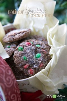 Holiday Chocolate Crackletops // TriedandTasty -- Going to have to try this at Marilyn's house 🎄 Christmas Sweets, Christmas Cooking, Christmas Goodies, Christmas Nibbles, Christmas Ideas, Cookie Desserts, Cookie Recipes, Dessert Recipes, Holiday Treats