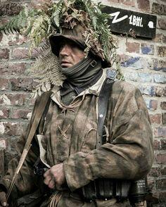 German Soldier in Normandie in Sumpftarn