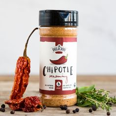 Deliciou's Chipotle Seasoning is a mexican inspired spice blend with a strong, smoky flavour kick. Using the highest quality ingredients carefully sourced from around the world, this seasoning will deliver an authentic chipotle bbq flavor to any dish. Spices Packaging, Food Packaging Design, Coffee Packaging, Bottle Packaging, Product Packaging, Bacon Seasoning, Popcorn Seasoning, Bbq Bacon, Bacon Fries