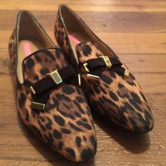 Host Pick 6/26 Leopard print Isaac Mizrahi flats Leopard print Isaac Mizrahi flats, with black and gold bow.  New without tags. Never worn. Tried on in store. Isaac Mizrahi Shoes Flats & Loafers
