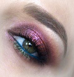 Burgundy Glitter Halo Eye Makeup Tutorial  Hey dolls  I'm in love with my new Naked Heat palette from Urban Decay!  Here's a fall glitzy burgundy glam halo eye.  Excuse some of the photos as I'm still adjusting things with my new camera;)  PRODUCT LIST:  NYX Eyeshadow Base - WhiteNYX Eyeshadow Base - Skin ToneLime Crime Venus Palette (Icon Rebirth)Urban Decay Naked Heat Palette (Low Blow Sauced Cayenne En Fuego)Inglot AMC Pigment Inglot - 125Tammy Tanuka Sigil InspiredInglot AMC Eyeliner Gel…