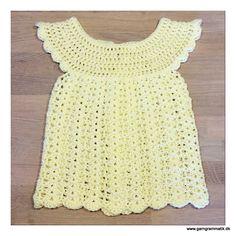 Babykjoler – blowing in the wind, of chaaaaange… (Garn Grammatik) Crochet For Kids, Diy Crochet, Crochet Baby, Crochet Top, Baby Cardigan, Kids And Parenting, Baby Dress, Kids Outfits, Stitch