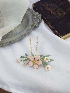 Leaf Flowers, Flower Hair, Gold Leaf, Hair Pins, Headpiece, Sculpting, Clay, Leaves, Brooch