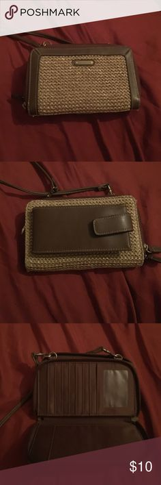 Ladies purse Very cute ladies wallet/purse. Great for shopping when you don't want to carry a heavy purse. Bags