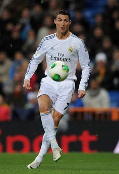 Cristiano Ronaldo controls the ball during the Copa Del Rey quarter final second leg match between Real Madrid CF and RCD Espanyol at Estadio Santiago Bernabéu on January 2014 in Madrid, Spain. Cristiano Ronaldo 2013, Cristiano Ronaldo Haircut, Ronaldo Juventus, Fotos Real Madrid, Real Madrid 2014, David Beckham Family, Star Sports Live, Cr7 Wallpapers, Ronaldo Football