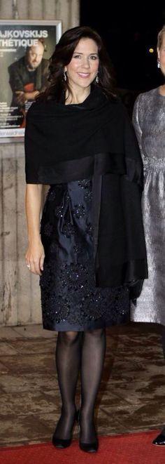 Crown Princess Mary in sexy black pantyhose. #vpl