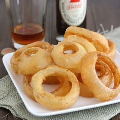 Beer-Battered Onion Rings by Tracey's Culinary Adventures, Cooks County recipe Side Recipes, Great Recipes, Favorite Recipes, Appetizer Recipes, Snack Recipes, Cooking Recipes, Beer Battered Onion Rings, Indian Snacks, Appetisers