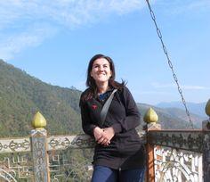 Mein breites Grinsen hat damit zu tun, dass ich in Bhutan ein Stück Glück gefunden habe. Foto: Estelle Bhutan, Stuck, Photos