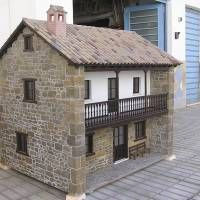 Houseland Parque Temático. Vivienda tradicional Asturias. Scale Model Architecture, Home Decor Styles, Scale Models, Cabin, House Styles, Templates, Different Types Of, Countries Of The World, Style At Home