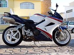 Honda VFR800/Interceptor anyone?  www.riderforums.com discussion on mods to VFR800, some nice ideas