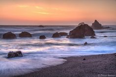 I got a chance to go to the Sonoma Coast and decided to hang out at Carmet Beach. Carmet Beach is 5 miles north of Bodega Bay. Sunset turned out to be a treat. https://www.picturedashboard.com