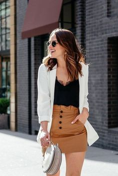 You dont need to be confused with your outfit to hang out with your family and friends. These most casual summer outfits ideas for women 2020 Casual Summer Outfits, Classy Outfits, Spring Outfits, Vintage Outfits, Casual Date Night Outfit, Spring Skirts, Mode Outfits, Skirt Outfits, Fashion Outfits
