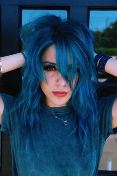 Read on to discover trendy and unconventional light-blue, dark-blue, electric blue, blue-green, blue-purple hair color variations. Blue Purple Hair, Ombre Hair Color, Cool Hair Color, Light Blue Hair, Hair Colors, Smokey Blue Hair, Hair Shades, Crazy Hair, Mi Long