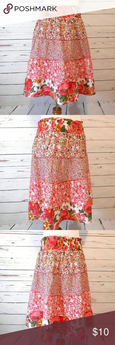 """Tiered Knee Lengrh Cotton Peasant Skirt Waist 34-40"""" Hip up to 46"""" Length 21"""" Lightweight cotton fabric.  Pink floral design. 5 tiers. Smocked elastic waist.  Unlined. Machine wash. Good condition.   201657 Fire Los Angeles Skirts"""