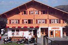 Gruppenhaus Jaunpass - Boltigen - Bern/BE - Berner Oberland - 32 / 15 Cabin, House Styles, Outdoor Decor, Home Decor, Decoration Home, Room Decor, Cottage, Interior Decorating, Cottages