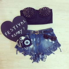 concert outfit. uhmmmmmmm yesssssssssss. this is perf. and the polorioid camera !!!