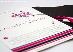 modelo DV: convite de casamento com listras e cerejeira. Em tons de rosa e preto - Galeria de Convites