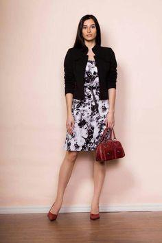 P/É 2016 Muse par Christian Chenail Muse, Dresses For Work, Floral, Skirts, Fashion, Moda, Skirt Outfits, Fasion, Skirt