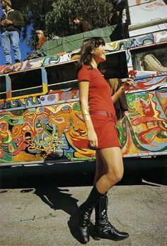 'Mountain Girl' aka Carolyn Garcia, member of the Merry Pranksters and mother of two children with Ken Kesey. She later married the Grateful Dead's lead singer Jerry Garcia. 1960s Fashion, Vintage Fashion, Funky Fashion, Ken Kesey, Indie, Grunge, Hippie Love, 1970s Hippie, Hippie Chic