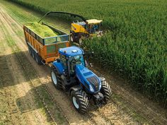 New Holland - Auto Command big and clumsy compared to big Johner or Fendt . Have driven them all New Holland Ford, New Holland Tractor, Crop Farming, Agriculture Farming, Big Tractors, Ford Tractors, Quito, New Holland Agriculture, Tractor Accessories