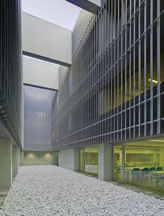 ARCHDAILY - Marina de Empresas / ERRE arquitectura