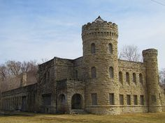 Photo location, Castle architecture in Kansas City MO Kansas City, Kansas Missouri, Travel Oklahoma, Urban Life, New York Travel, Beautiful Buildings, Thailand Travel, Abandoned Places, Places To See