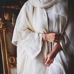 I am in love with this white abaya