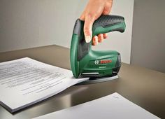 Use a #household assistant to tame office paperwork easily. #stapler #powertool #cordless. For detailed information click here: http://www.bosch-do-it.de/de/de/bosch-elektrowerkzeuge/werkzeuge/ptk-3-6-li-office-set-3165140742818-199889.jsp
