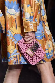 Fashion Bags, Fashion Show, Womens Fashion, Fashion Trends, Macrame Bag, Vogue Paris, Mannequins, Purses And Bags, Ready To Wear