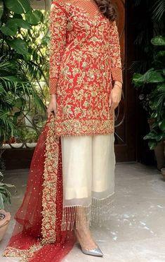 56 Ideas south indian bridal blouse lehenga choli for 2019 Shadi Dresses, Pakistani Formal Dresses, Pakistani Dress Design, Pakistani Outfits, Indian Dresses, Indian Outfits, Nikkah Dress, Red Lehenga, Lehenga Choli